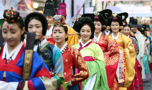 Hanbok Parade at Insa-dong, Seoul, Korea