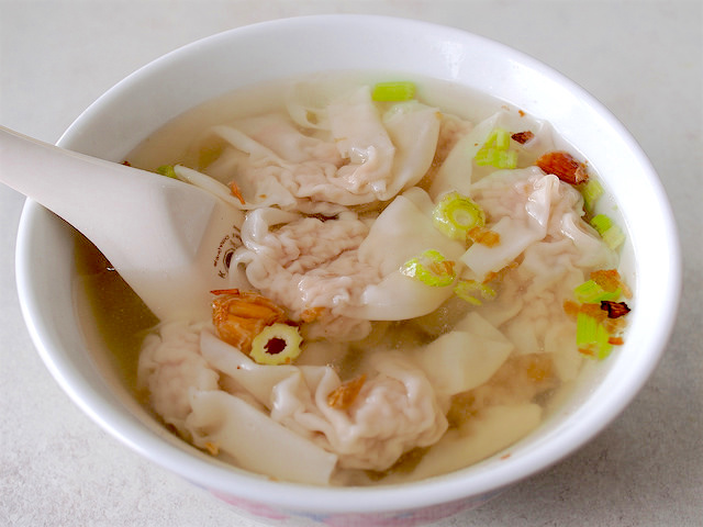 Dai Ji Bian Shi offers dumplings that may look simple but are absolutely delicious