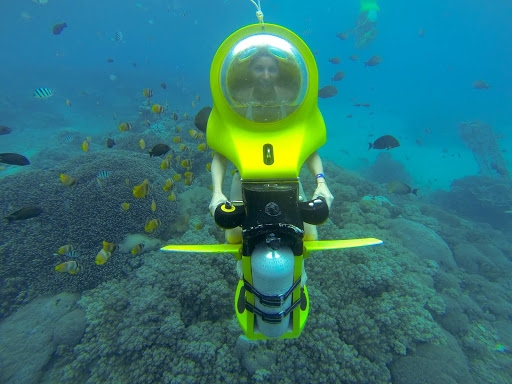 The Bali Underwater Scooter requires no diving license