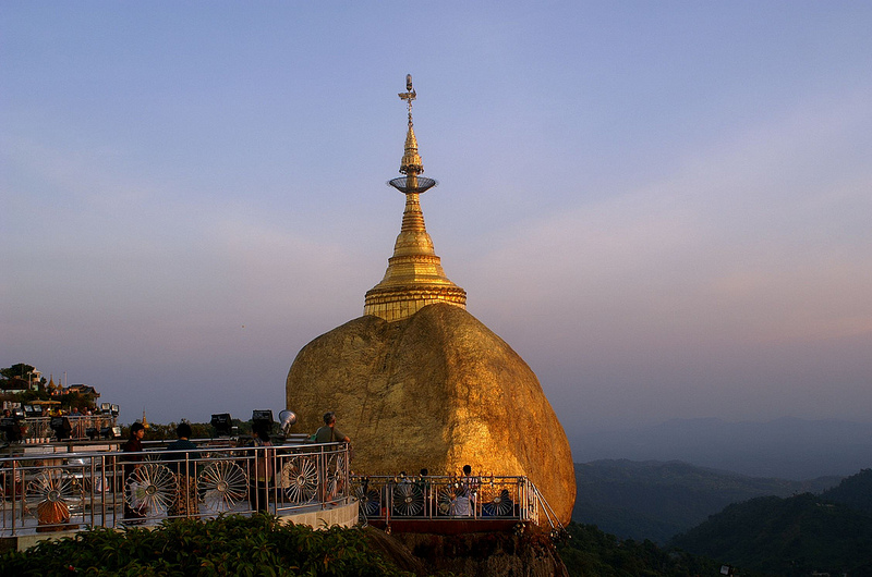 Myanmar: Golden Rock, Mount Kyaiktiyo