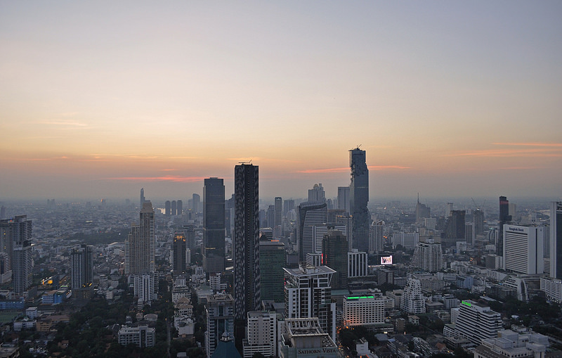 Bangkok Skyline from Moon Bar (image via Harshil.Shah)