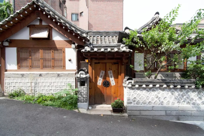 FRONT: You can find this charming house in the heart of Bukchon Hanok Village
