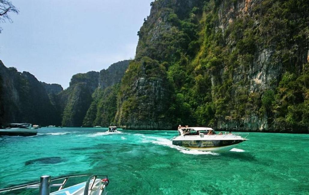 SPEEDBOAT TOUR: Phi Phi Islands, Loh Samah Bay, Phuket