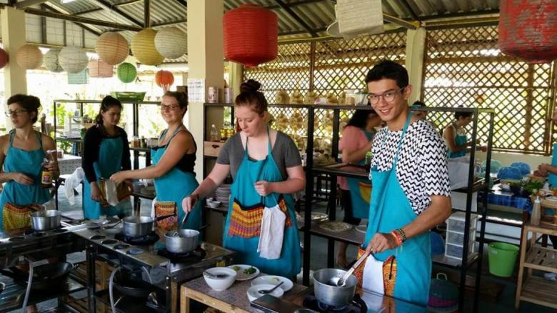 Mama Noi's Cooking Class
