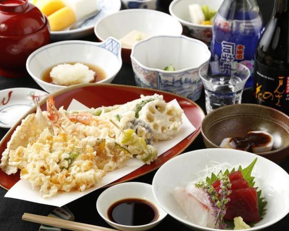 Akasaka Hanamura Specialty: Seasonal Tempura Course