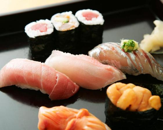 Hyakumangoku Specialty: Sushi